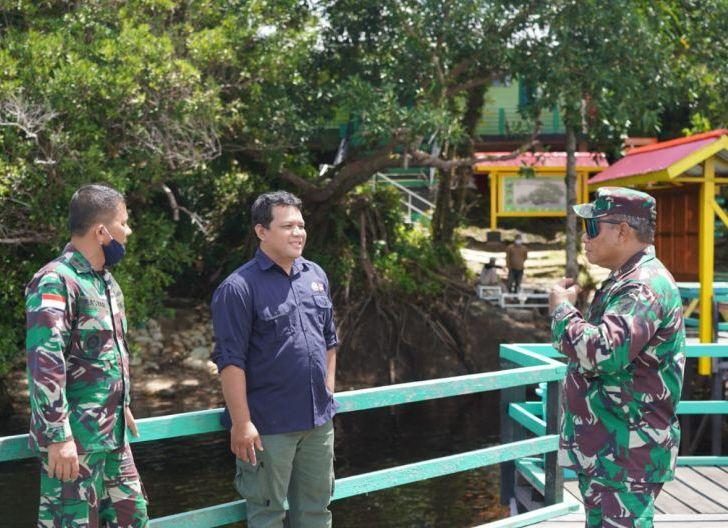 Photo of Danrem 121/Abw Terkesima Keindahan Objek Wisata Danau Sentarum