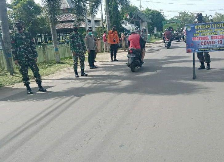 Photo of Disiplinkan Masyarakat, Kodim 1203/Ktp dan Stakeholder Gelar Operasi Yustisi