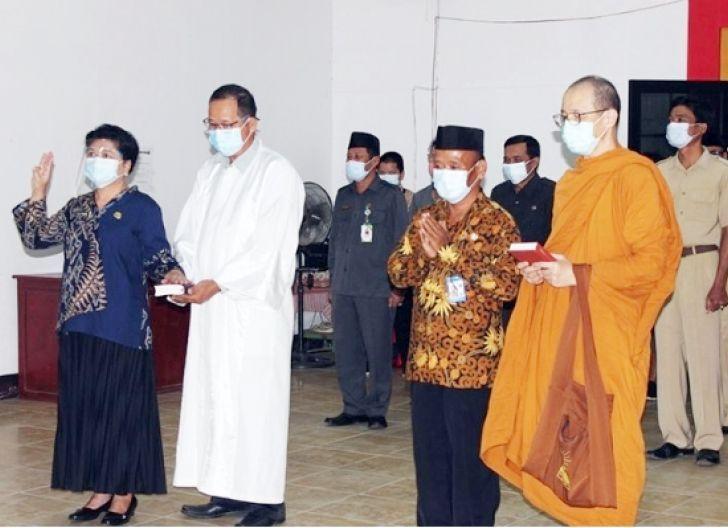 Photo of Dua Pejabat Kemenag Singkawang Dilantik
