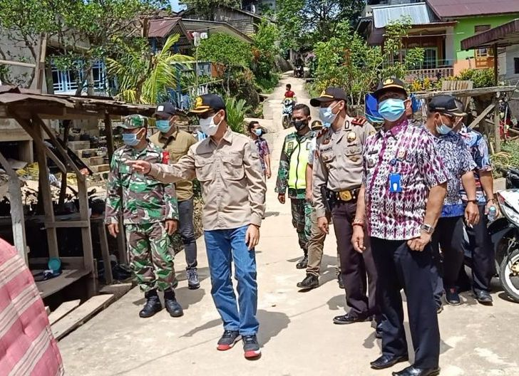 Photo of PJ Bupati Pantau Lokasi Pasca Banjir dan Penyaluran Logistik