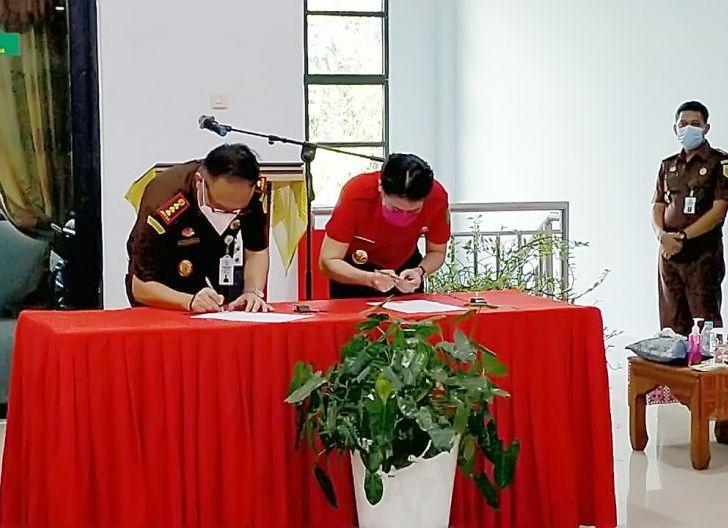 Photo of Kajati Kalbar Resmikan Gedung Kejari Singkawang
