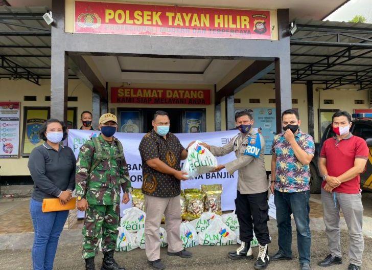 Photo of Program PLN Peduli Salurkan Bantuan Sembako Untuk Warga Terdampak Banjir