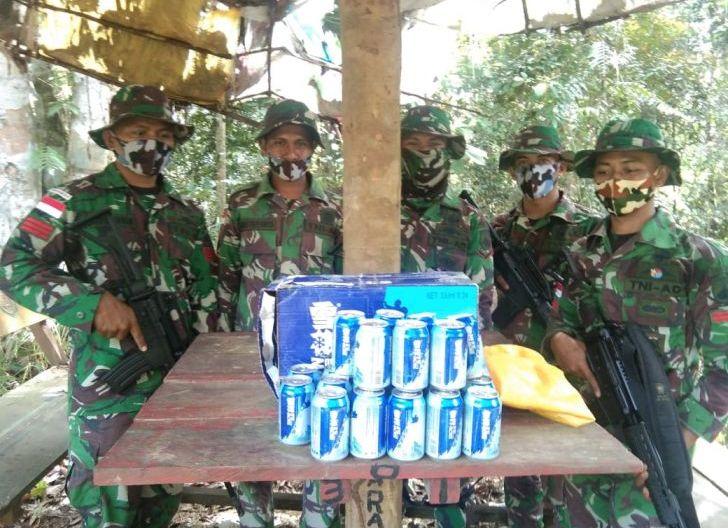 Photo of Satgas Pamtas Yonif 407/PK Kembali Gagalkan Penyelundupan Puluhan Kaleng Miras