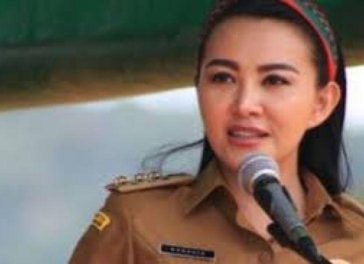 Photo of Bupati Lantik Pejabat Pengawas di Disdukcapil Landak