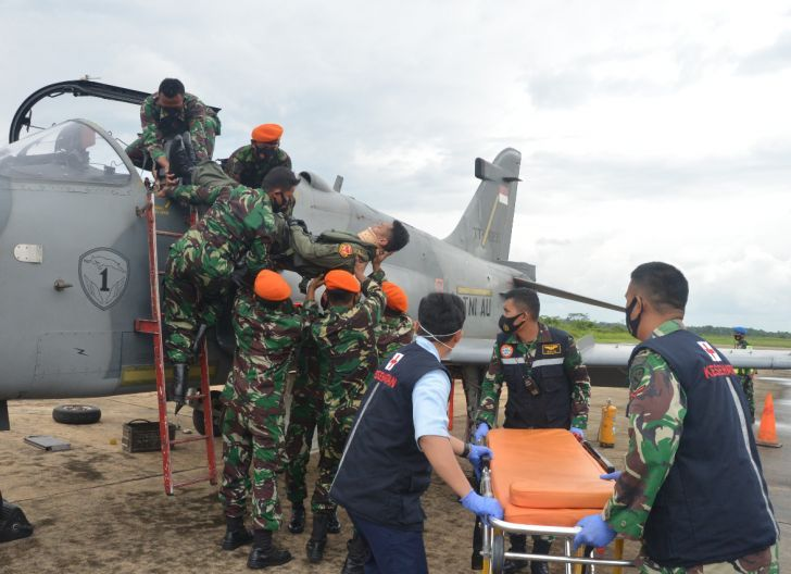 Photo of Penerbang Pesawat Tempur Hawk 100/200 Crash, Personel Lanud Supadio Tunjukkan Kemampuan Penanganan Accident dan Incident