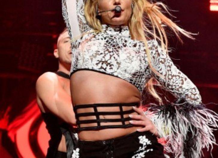 Photo of Sangat 'Matre' dan Mengganggu, Britney Spears Tendang sang Ayah dari Kehidupannya