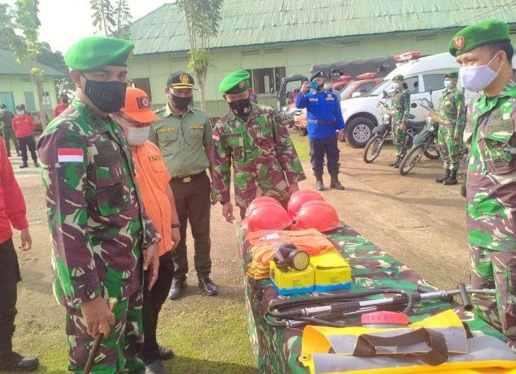 Photo of Dandim Affiansyah Pimpin Apel Gelar Kesiapan Pasukan Reaksi Cepat Penanggulangan Bencana