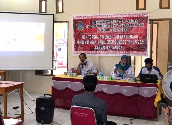 Photo of Pemkab Landak Gelar Monev BUMDes di Kecamatan Air Besar