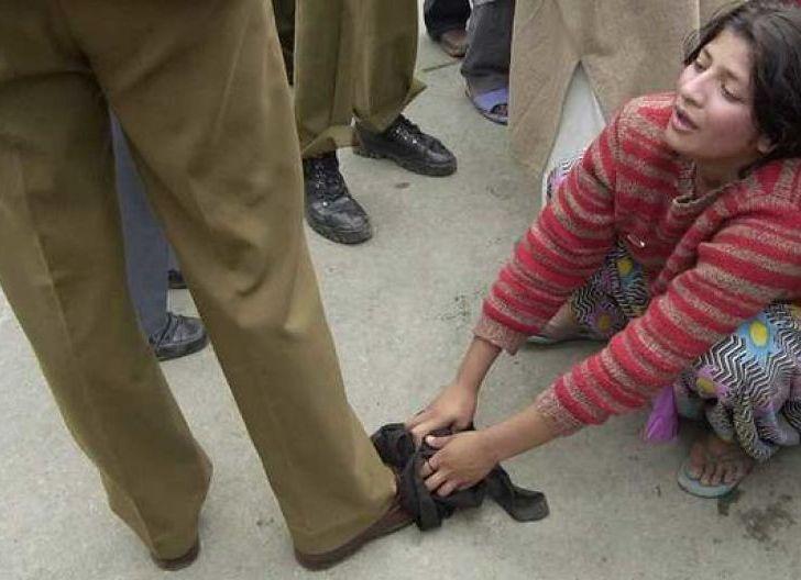Photo of Teganya, Dunia Lupakan Tragedi Pemerkosaan Massal Wanita Muslim Kashmir oleh Tentara India