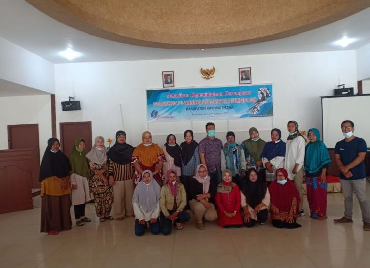 Photo of Perkumpulan Gemawan Bentuk Serikat Perempuan Kabupaten Kayong Utara