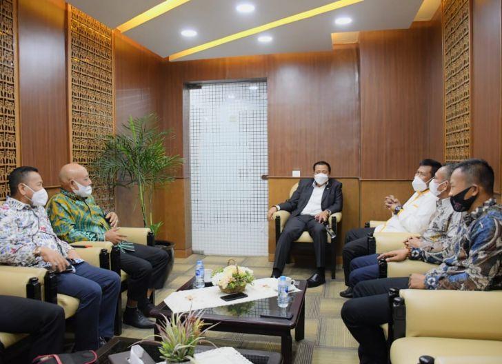 Photo of DPR Dukung Peningkatan Status Jalan Siduk - Teluk Batang