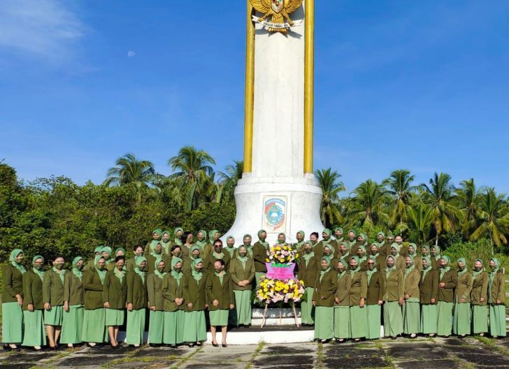 Photo of Peringati HUT ke-75, Persit Ziarah Ke Makam Pahlawan