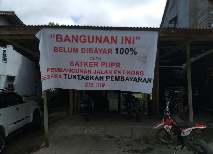 Photo of Ganti Rugi Proyek Nasional di Sanggau Belum Tuntas, Nurdin: Pak Jokowi Tolong Kami