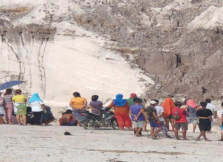 Photo of Lima Pekerja PETI di Perbatasan Singkawang-Bengkayang di Kabarkan Tewas Tertimbun Tanah