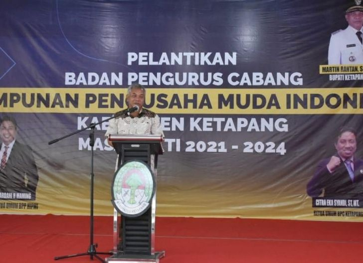 Photo of Hadiri Pelantikan HIPMI Ketapang, Martin Minta Pengusaha Muda Turut Membangun Ketapang