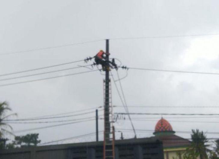 Photo of Kurang Dari 2 Jam, PLN Berhasil Pulihkan Gangguan Listrik Akibat Gempa Malang