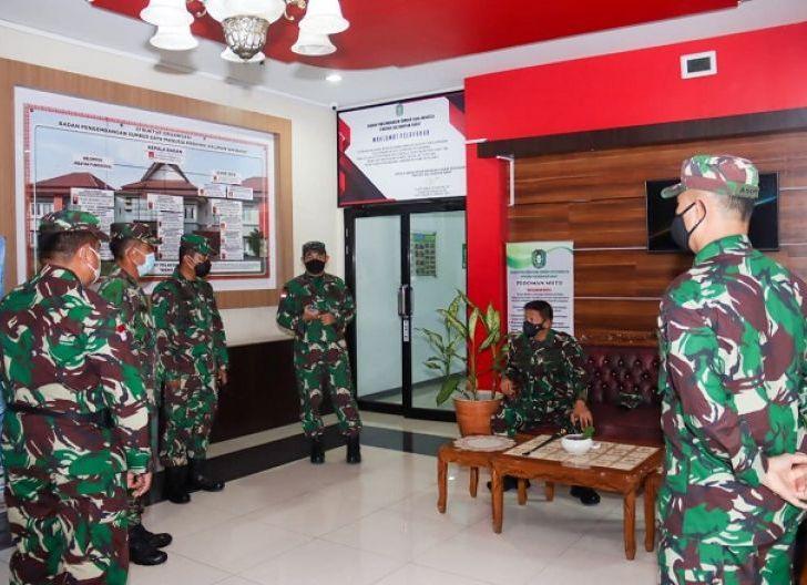 Photo of Pangdam XII/Tpr Pantau Langsung Kedatangan PMI