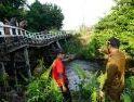 Jembatan Nanga Tubuk Rusak Diterjang Banjir