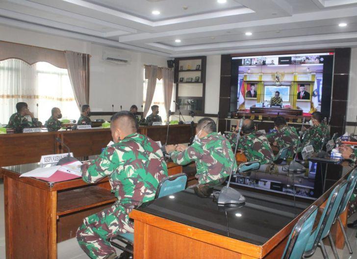 Photo of Kasdam XII/Tpr Ikuti Vicon Penegakkan Disiplin Protokol Kesehatan dan Penanganan Covid-19 di Daerah