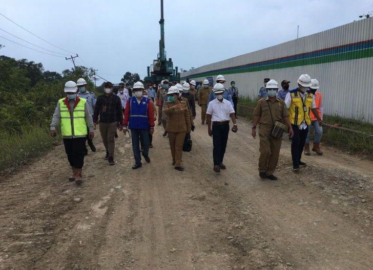 Photo of Kunker Perbatasan Indonesia - Malaysia, Cornelis Minta Pembangunan Perbatasan Selesai Tahun 2024
