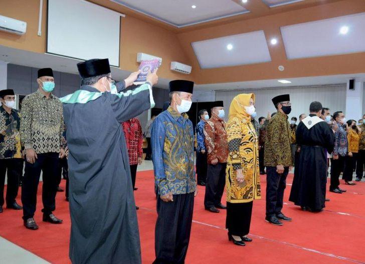 Photo of Bupati Lantik Pejabat BUMD dan TP3D Ketapang