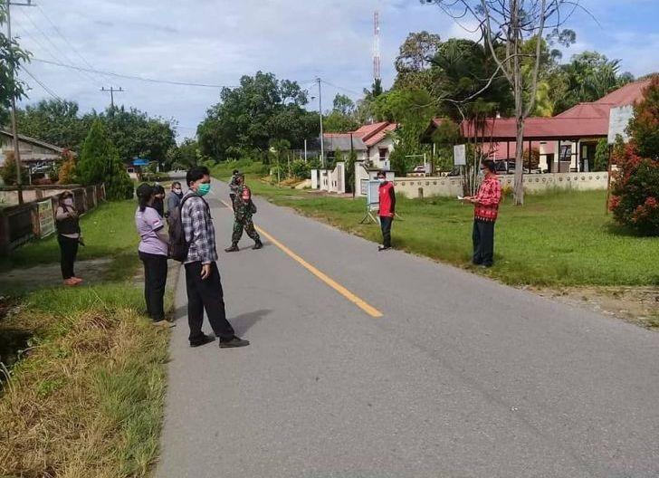 Photo of Jelang Lebaran, Koramil Sambas Gelar Operasi Penegakkan Disiplin Prokes
