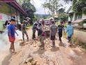 Masyarakat Apresiasi Satgas Pamtas 407/PK Bantu Perbaiki Jalan Desa