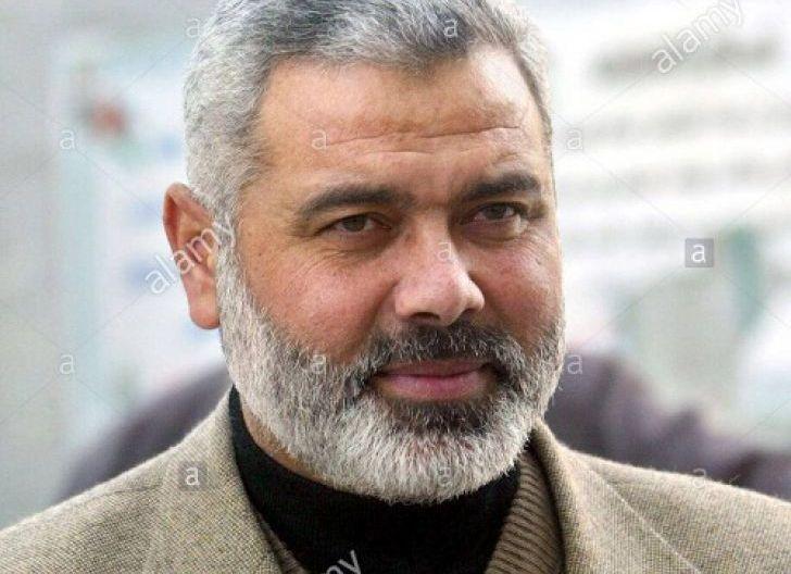 Photo of Gaza Dibombardir Israel, Mantan Perdana Menteri Palestina Kabur ke Qatar