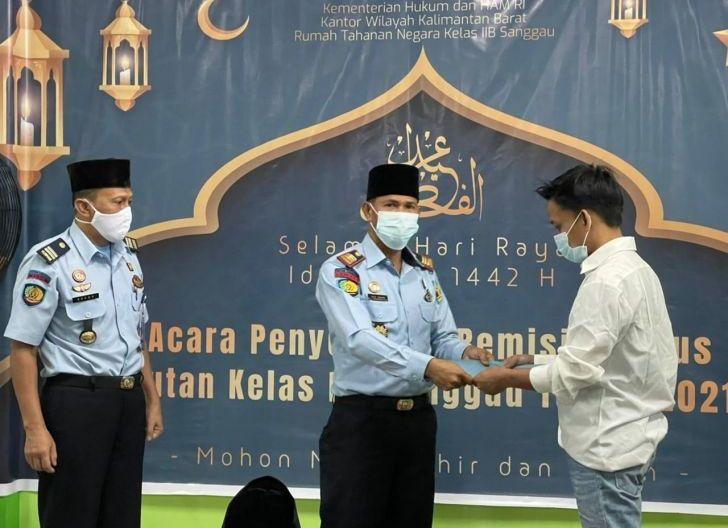 Photo of 122 WBP dapat Remisi Idulfitri,Satu Orang Langsung Bebas