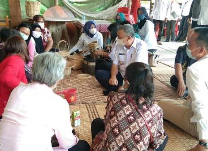 Photo of Bupati Bersama Wabup Kunjungi Koperasi dan UMKM di Perbatasan Bengkayang