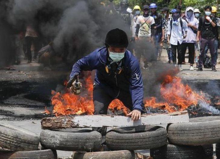 Photo of Sudah Tak Percaya ASEAN, Pemerintah Tandingan Myanmar Wacanakan Keluar