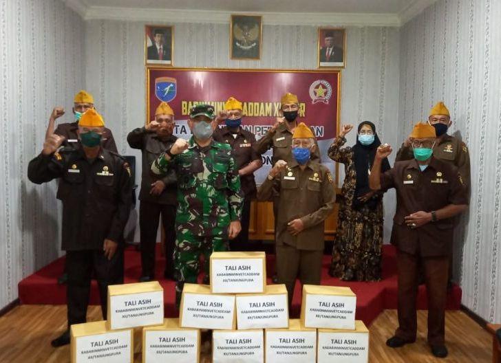 Photo of Babinminvetcaddam XII/Tpr Dorong Veteran Vaksinasi Covid-19