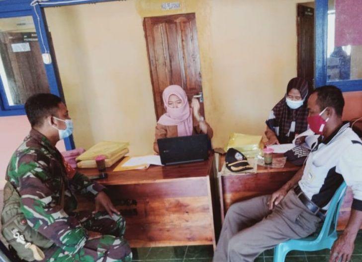 Photo of Dukung Tugas Pokok Satkowil Babinsa Podorukun Anjangsana ke Kantor Desa