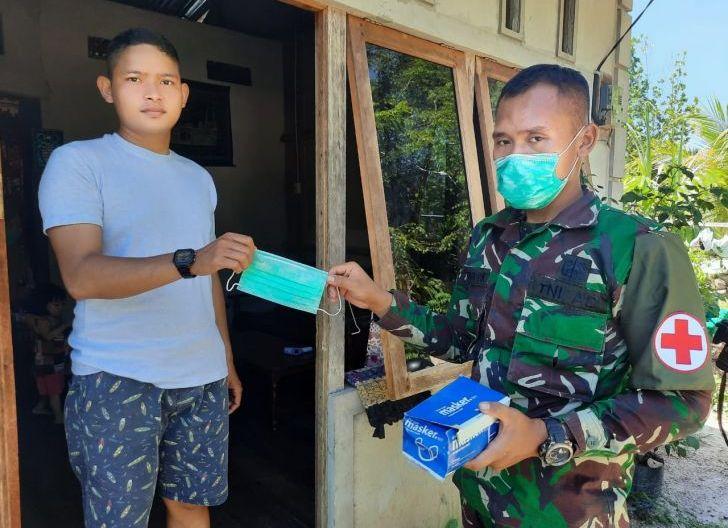 Photo of Personel Brigif 19/Kh Blusukan Door To Door Sosialisasi Protkes