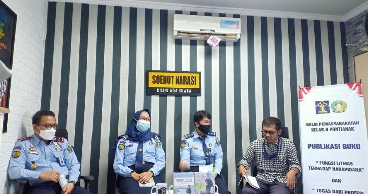 Tambah Literasi Pembimbing Kemasyarakatan, PK Bapas Klas II Pontianak Luncurkan Dua Buku