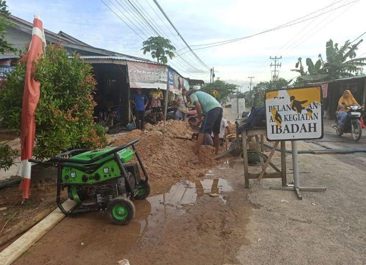 Photo of Upaya Perumda AMGP Singkawang Perbaiki Distribusi Air, Tingkat Kebocoran Sudah 30,04 Persen