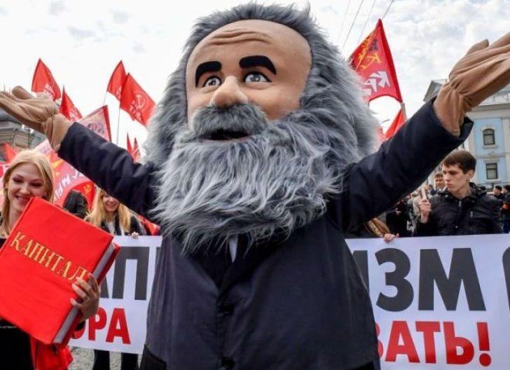Photo of Karl Marx, 'Bapak' Komunisme yang Tega Khianati Teman dan Hamili PRT