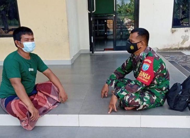 Photo of Pak Samsul Berterima Kasih Kepada Satgas TMMD Ke-111 Kodim 1207/Pontianak di Dusun Maju Jaya