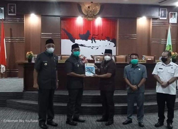 Photo of Paripurna Nota Pengantar Bupati Terhadap Rancangan KUA dan PPAS APBD Tahun 2022
