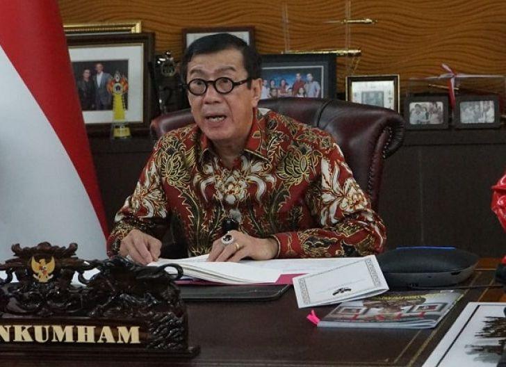 Photo of Menkumham RI Larang Orang Asing Masuk ke Indonesia, Kecuali..!
