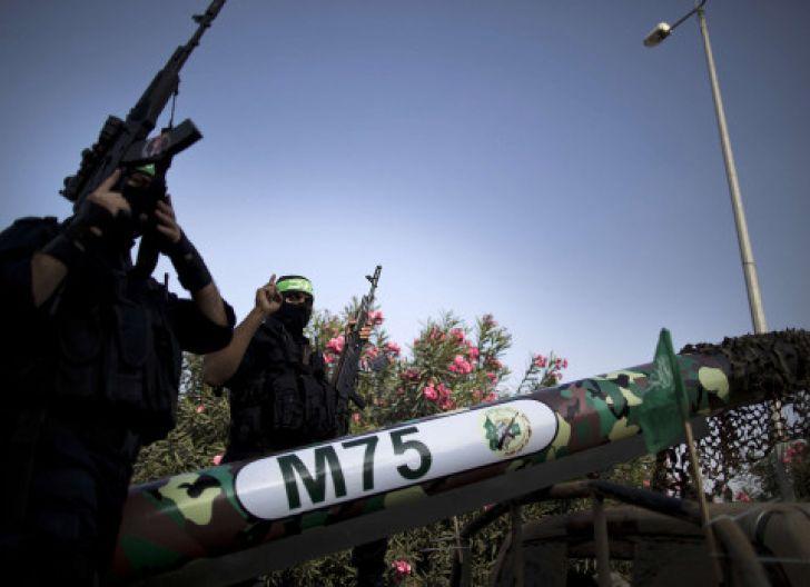 Photo of  Hamas Jadikan Rakyat Tameng Hidup:  Timbun Senjata di Pemukiman
