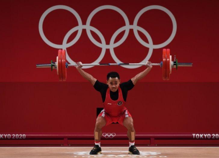 Photo of Rekor Empat Medali Eko Yuli di Olimpiade