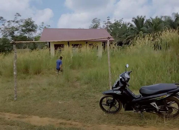 Photo of Lama Tak Difungsikan, SD Negeri 22 Pengok Mulai Rusak