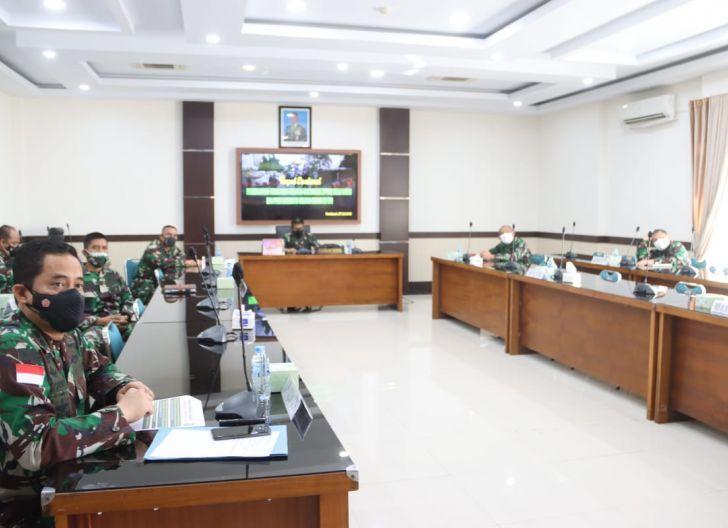 Photo of Pimpin Rapat Evaluasi PPKM, Pangdam XII/Tpr: Jangan Lelah dan Kalah Hadapi Covid-19