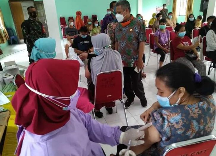 Photo of Tunda Vaksinasi Massal, Kubu Raya Kehabisan Stok Vaksin Covid-19