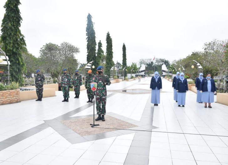 Photo of Danlanud Supadio Pimpin Ziarah ke TMP Dharma Patria Jaya Jelang Peringatan ke-74 Hari Bakti TNI AU