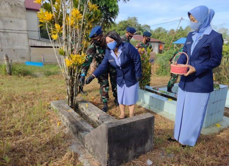 Photo of Ziarah Hari Bakti TNI AU ke-74 Lanud Harry Hadisoemantri