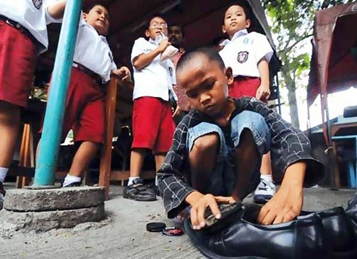 Photo of Covid-19 Sebabkan Anak Putus Sekolah,Bantu Orangtua Cari Nafkah di Tengah Pandemi