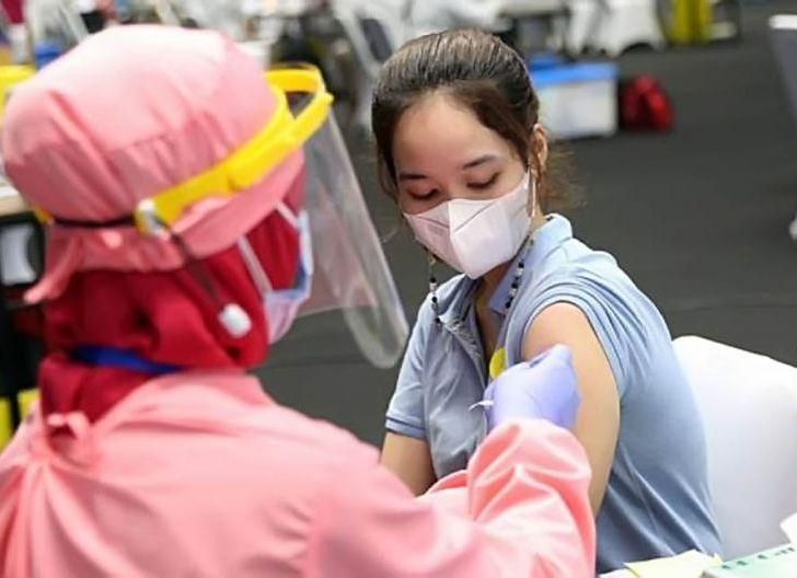 Photo of Suntikan Ketiga Tahun Depan, Antibodi Vaksin Sinovac Menurun Setelah Enam Bulan
