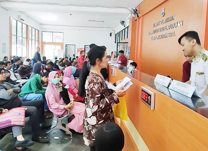 Photo of Urus Adminduk Tak Perlu Sertifikat Vaksinasi, Tidak Ada Tambahan Persyaratan